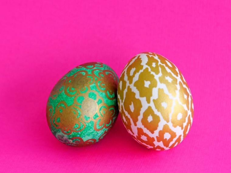bonitos huevos pintura dorada