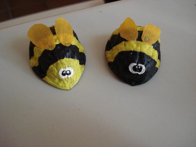 abejas cáscaras nuez