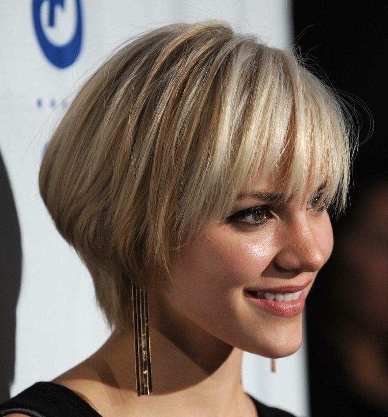 peinados fáciles de pelo corto mujeres