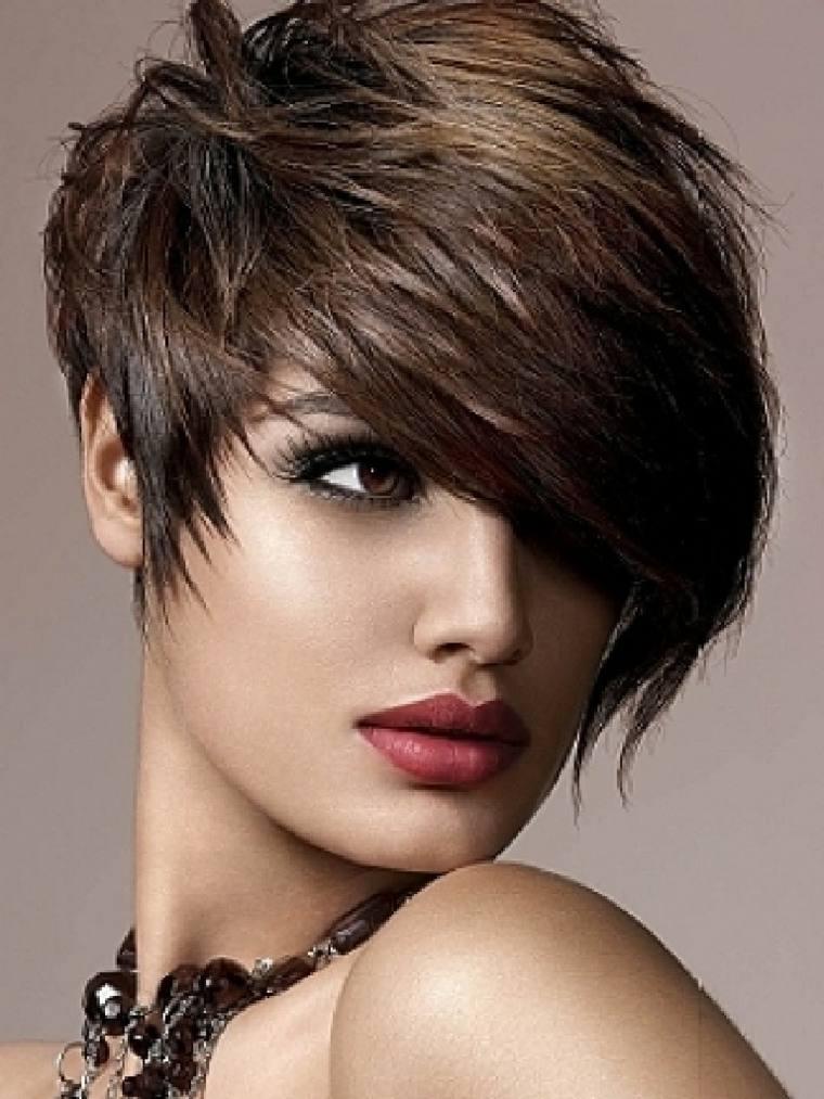 peinados fáciles pelo corto mujer