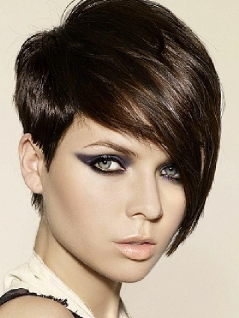 peinados fáciles pelo corto mujeres