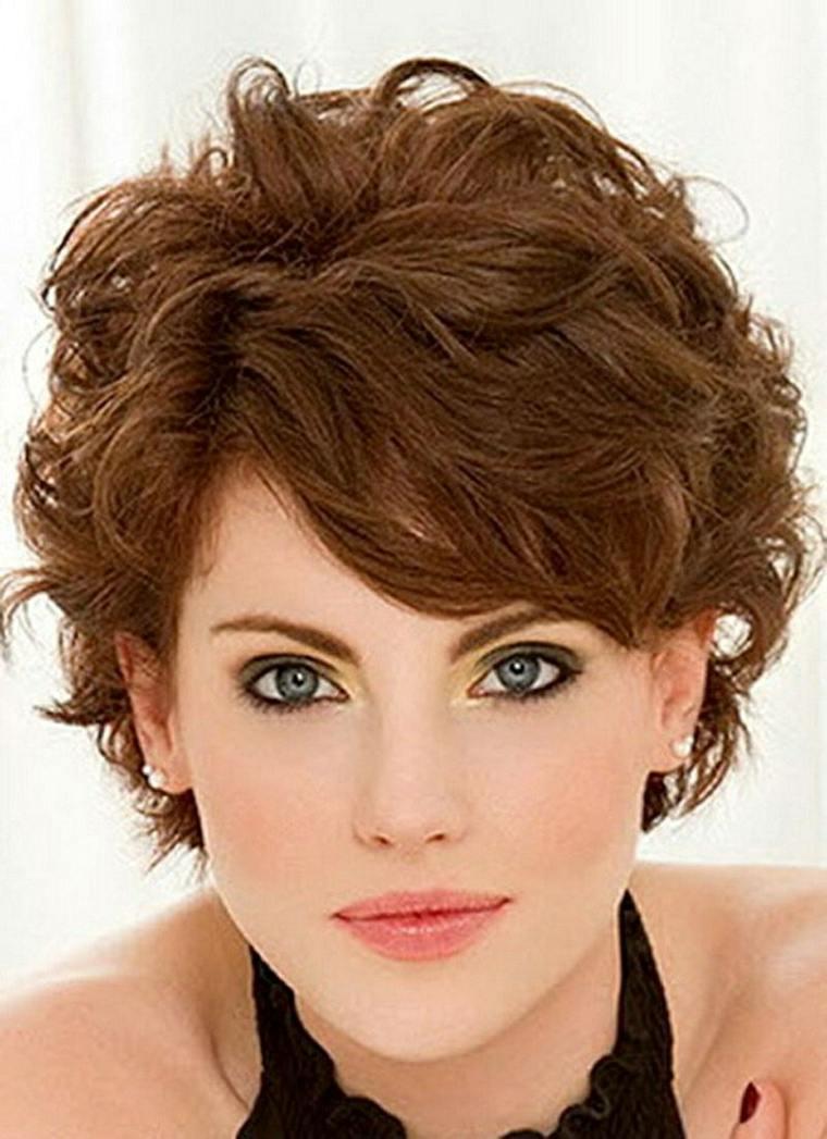 pelo corto y rizado mujeres