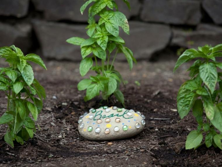 piedras jardines decoradas especiales coloridas rocas