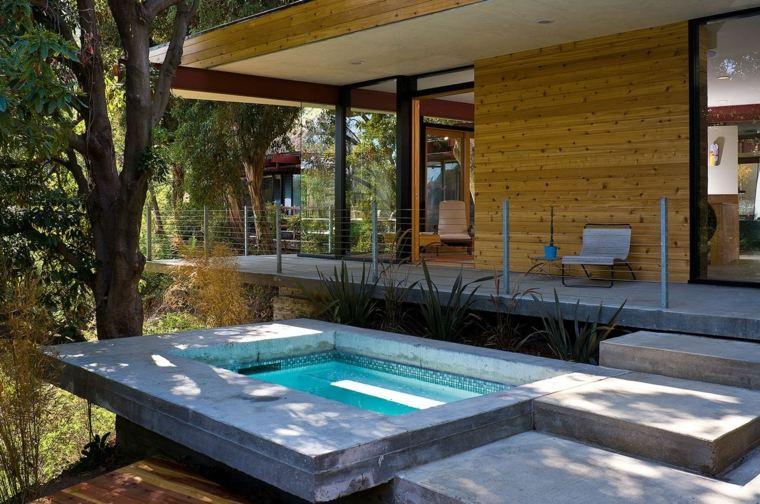 Piscinas peque as para terrazas y patios modernos for Decoracion de terrazas pequenas
