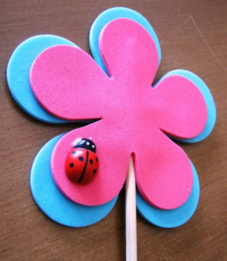 preciosa flor hecha goma eva