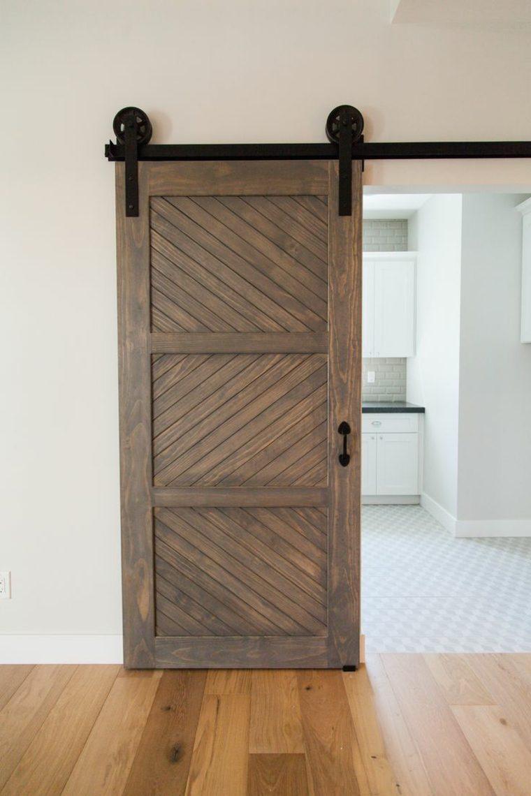 Puertas correderas de madera de estilo granero 42 ideas for Colocar puerta corredera