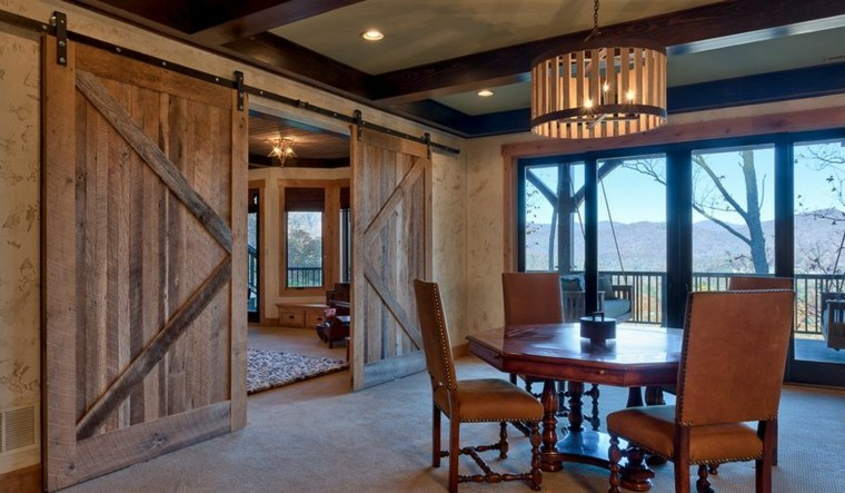 Puertas correderas de madera de estilo granero - 42 ideas -