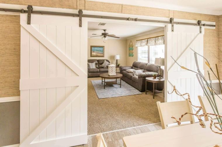 Puertas correderas de madera de estilo granero - 42 ideas