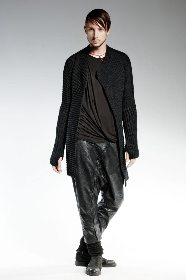 ropa de moda Pendari chaqueta punto negra pantalon cuero hombre ideas