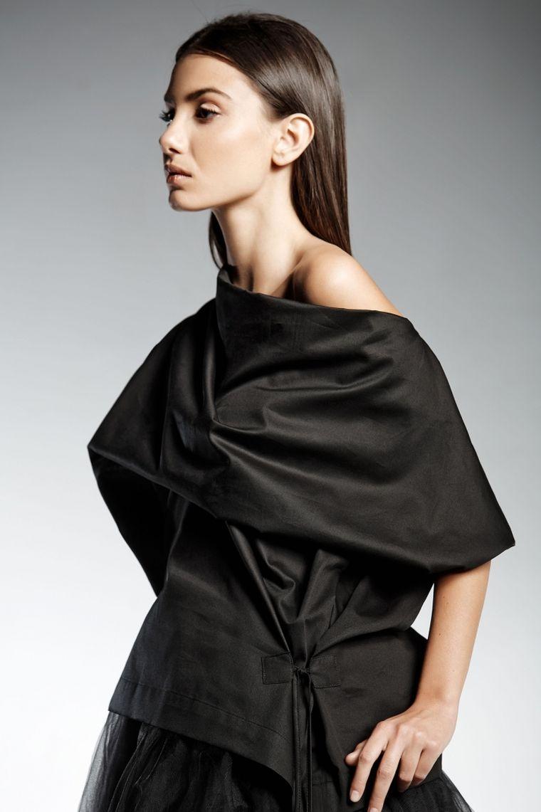 ropa de moda marca Pendari top negro estilo vestido mujer Ive ideas