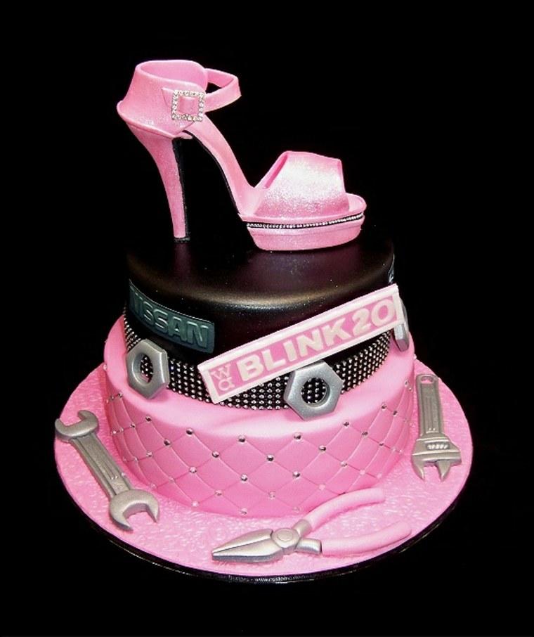 tartas de cumpleaños mujer mecanica estilos salones