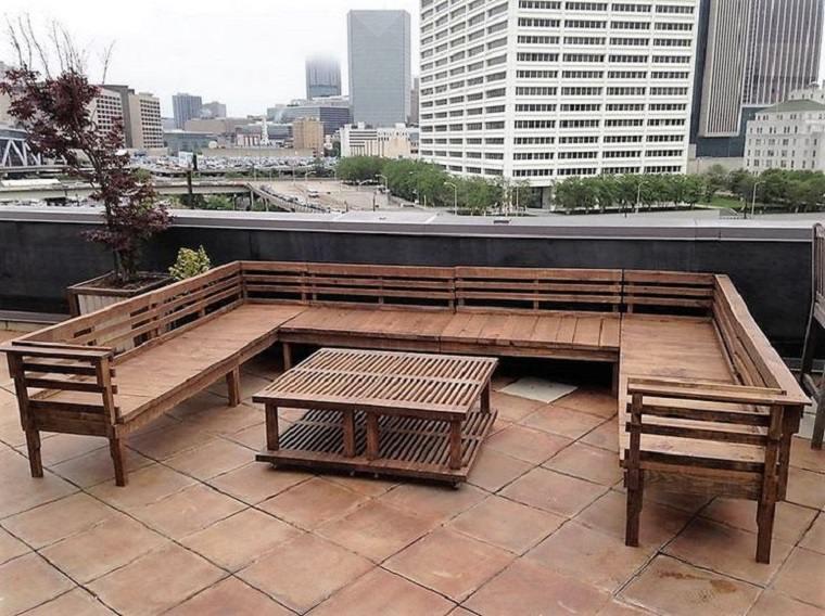 Terrazas con palets m s ideas para la decoraci n de for Banco para terraza