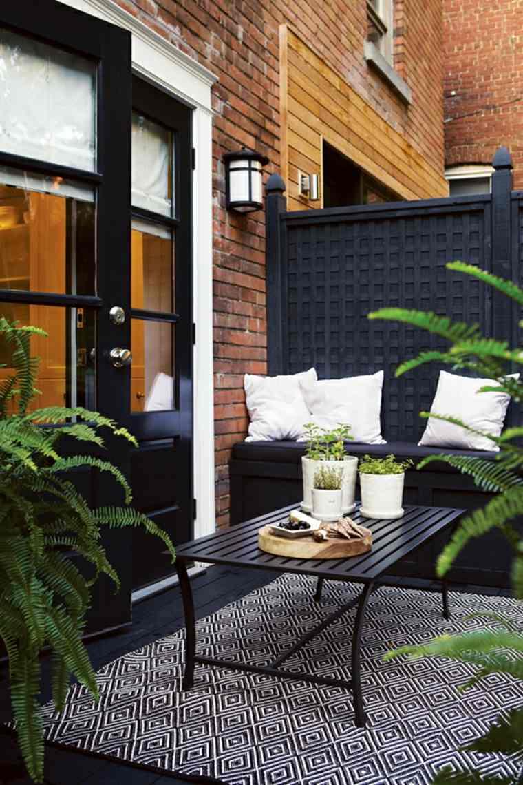terraza elegante celosía negra