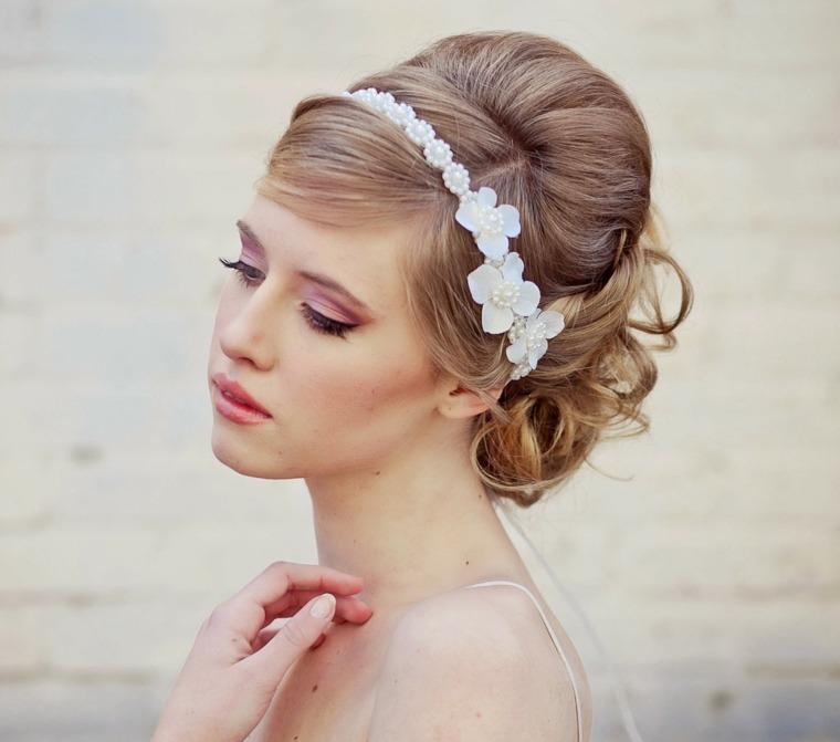 tiara blanca flores opciones peinados novias ideas