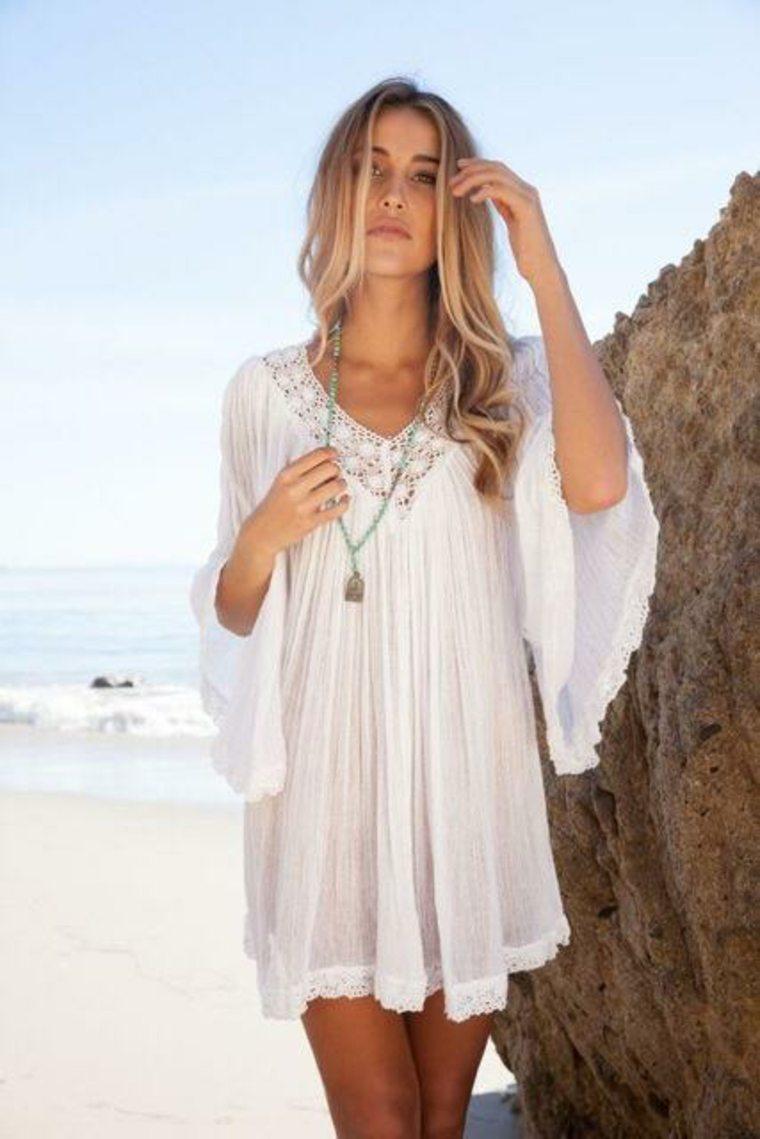 Vestidos ibicencos para pasear en verano por la playa