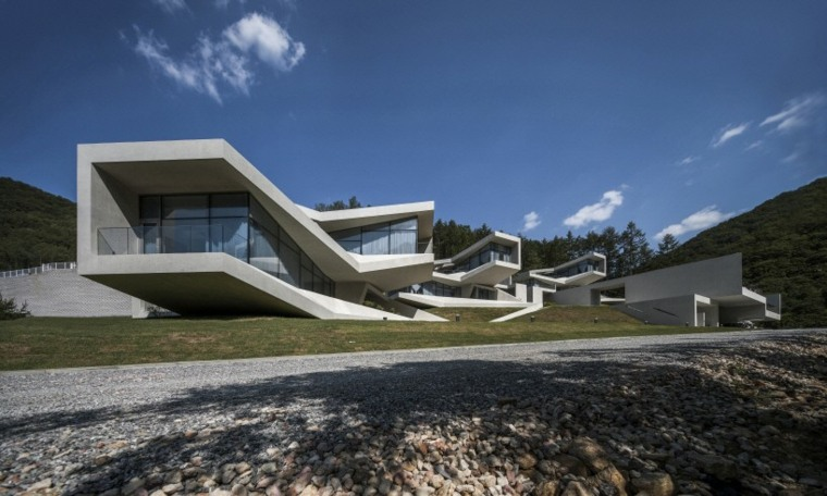Cantilever Design House