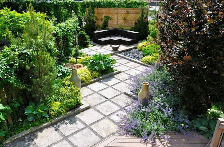 bonito jardín