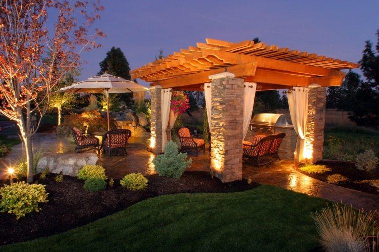 casa jardin fuentes-puntos-luces-focales-especiales-pergolas