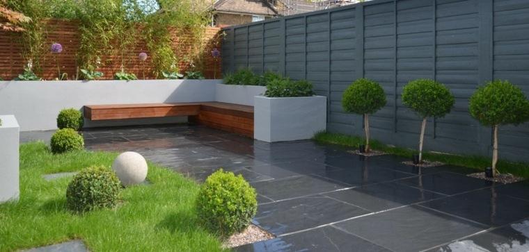 casa-jardin-gris-decorativo-concepto-moderno-paredes