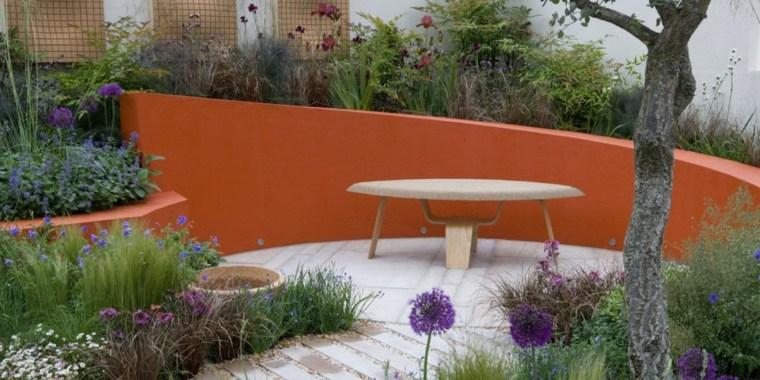casa-jardin-naranja-acento-decoraciones-especiales-flores