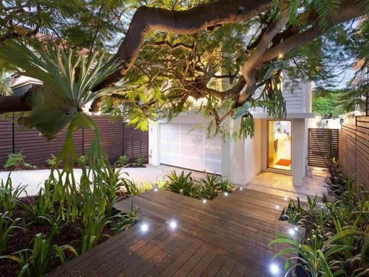 casa-jardin-puntos-luz-suelos-madera-colores-suelos