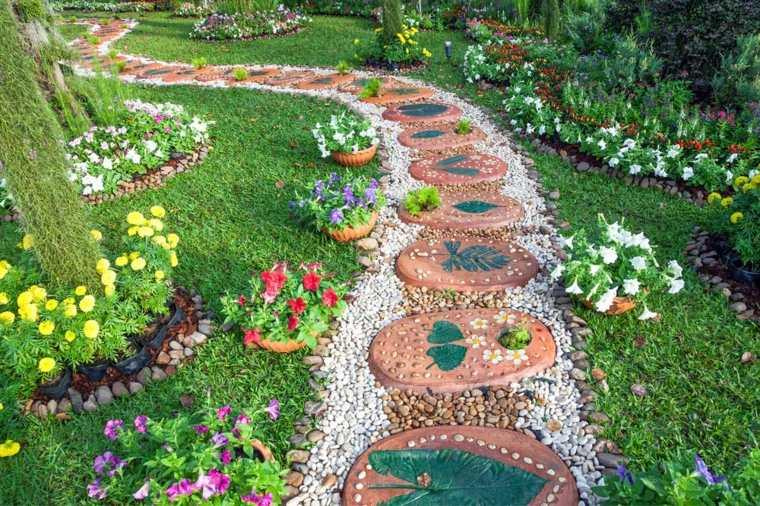casa jardin senderos-plantas-inspirador-hojas-verdes-imagenes