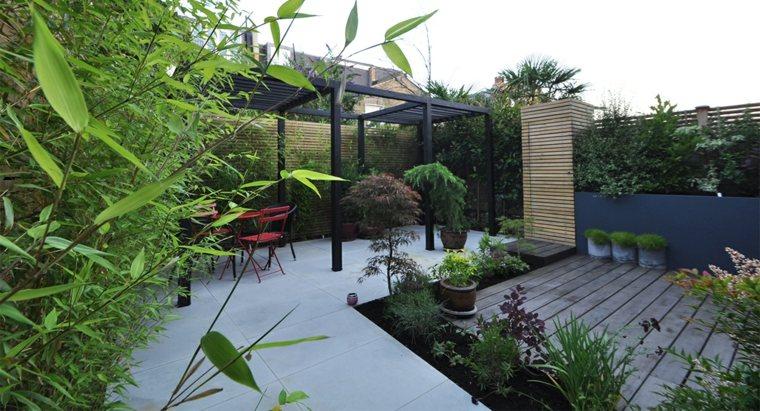 casa-jardin-vambuy-exteriores-muebles-negros-bambu