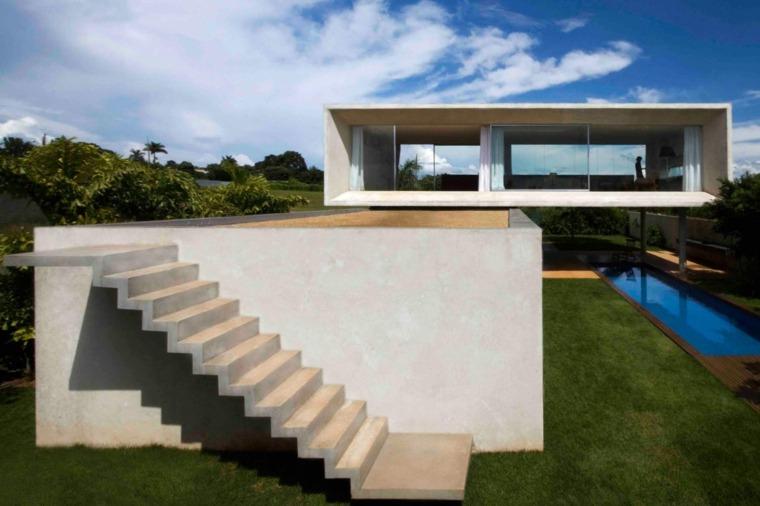Casa lujosa y grande en brasil con mucha luz en el interior for Casas modernas brasil