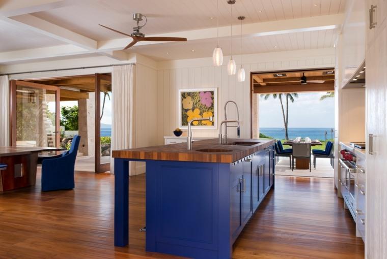 cocina isla color azul brillante isla