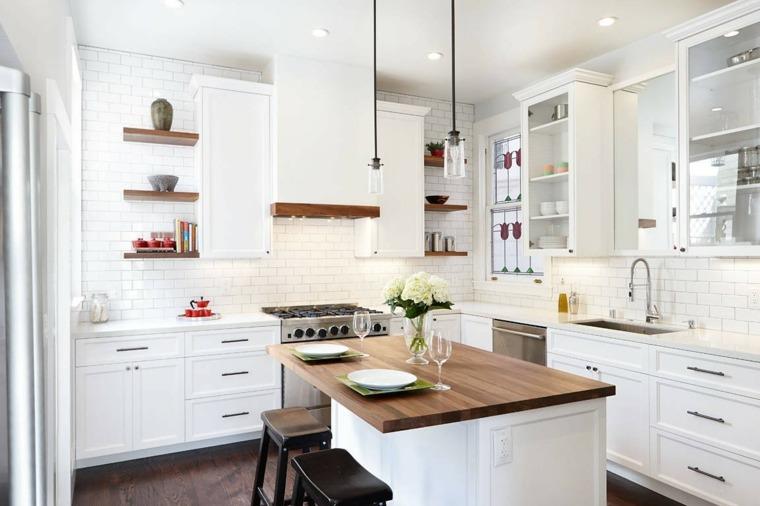 Cocinas blancas modernas con detalles en madera for Cocinas claras modernas