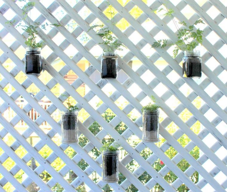 jardin vertical casero jardines verticales caseros aprende a dise arlos y mantenerlos originales ideas Ideas sencillas para diseñar jardines verticales. valla jardín. A través de  un proceso conocido como evapotranspiración, el aire que rodea la pared  verde se ...
