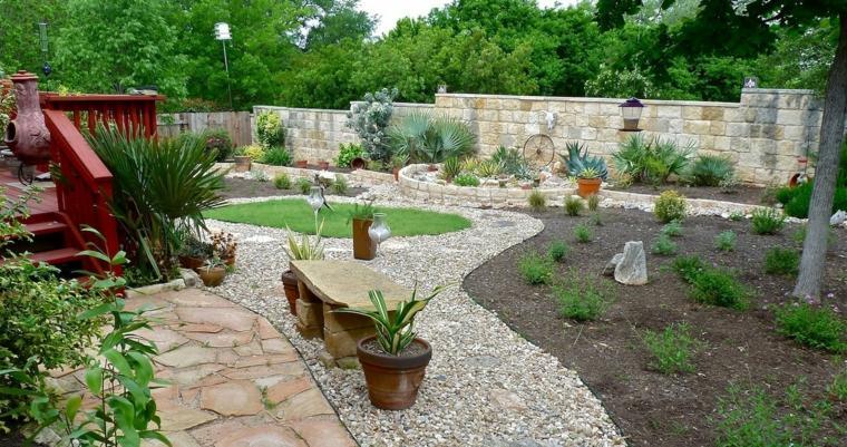 como hacer un jardín con piedras-combinacion-formas