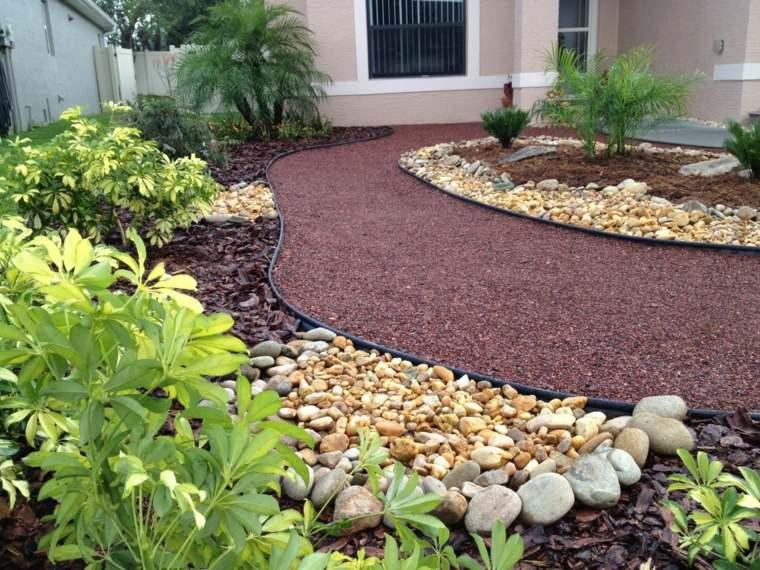 Como hacer un jard n con piedras rocas y plantas for Jardines exteriores con piedras