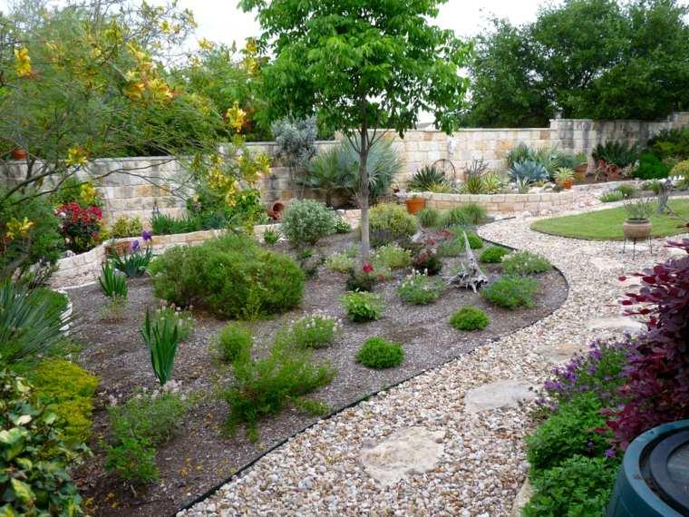 Como hacer un jard n con piedras rocas y plantas - Ideas para hacer un jardin ...