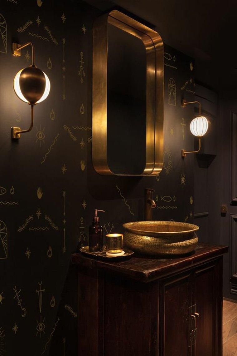 baño en negro y oro