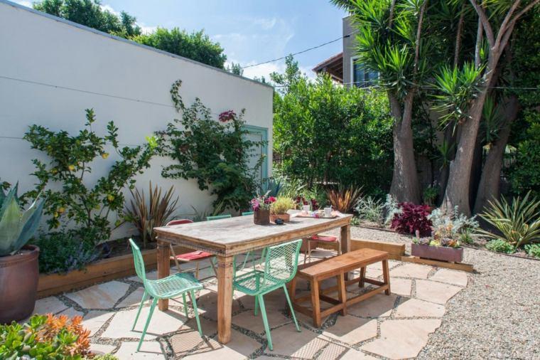 Fotos de jardines peque os con dise os llenos de vida for Diseno de jardines pequenos con piscina