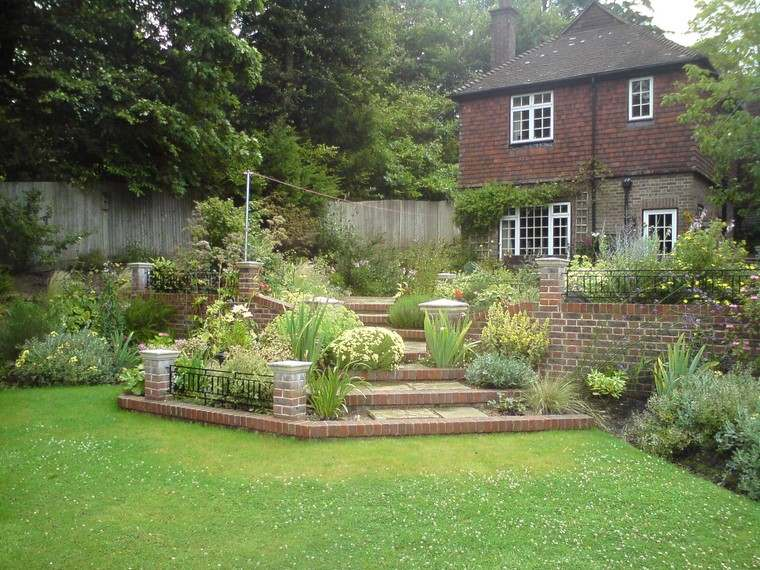 fotos de jardines rústicos-estilo-simple-cesped