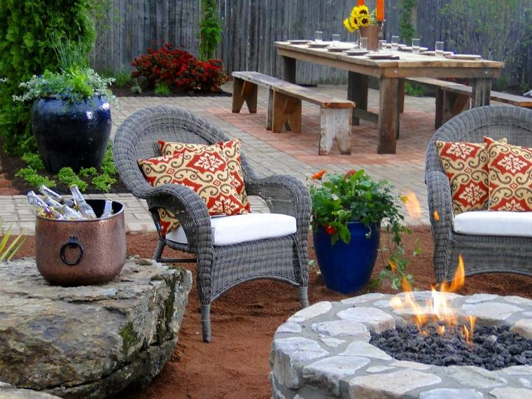 fotos de jardines rústicos-pozo-fuego-comedor