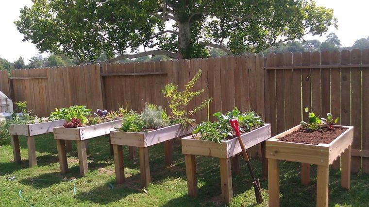 Ideas con palets para jardines creativos y asombrosos - Huerto con palets ...
