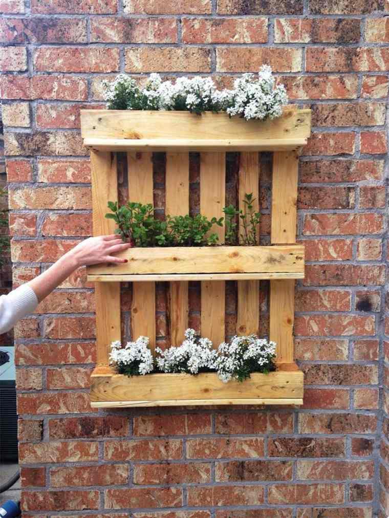 ideas con palets paredes-exteriores-decorativos-ladrillos
