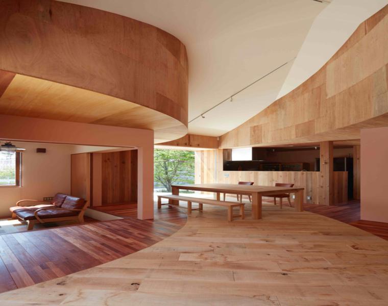 interior espacioso redondo