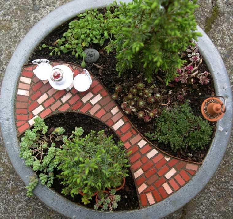jardín con pavimento