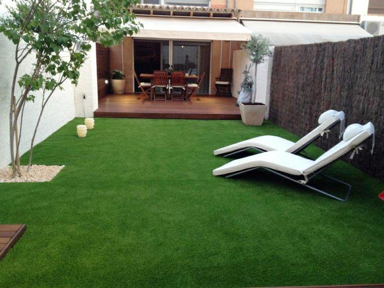 Jardines con cesped artificial para la decoraci n de la casa for Como hacer un cubre piscinas
