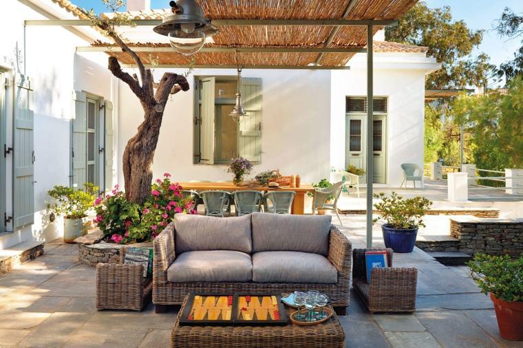 Jardines mediterr neos soleados brillantes y c modos - Muebles estilo mediterraneo ...