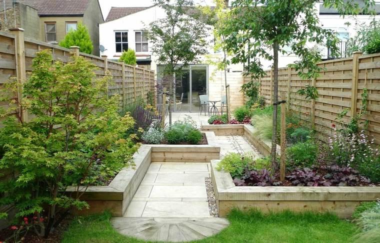 jardines-pequeños-ideas-estrecho-alargado-fuentes