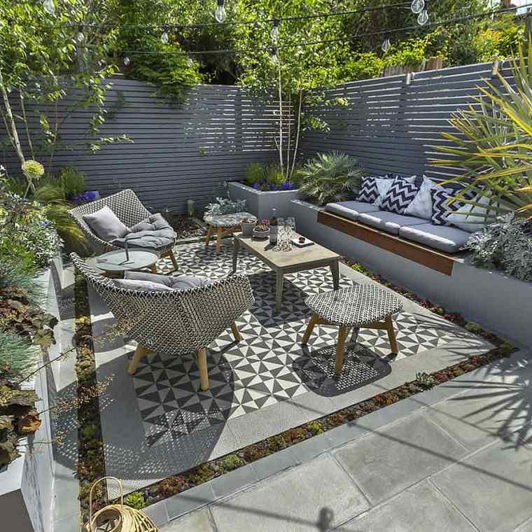 jardines-pequeños-ideas-sillones-corredras-luces