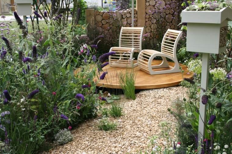 jardines pequeños ideas suelos-grava-muebles-pisadas