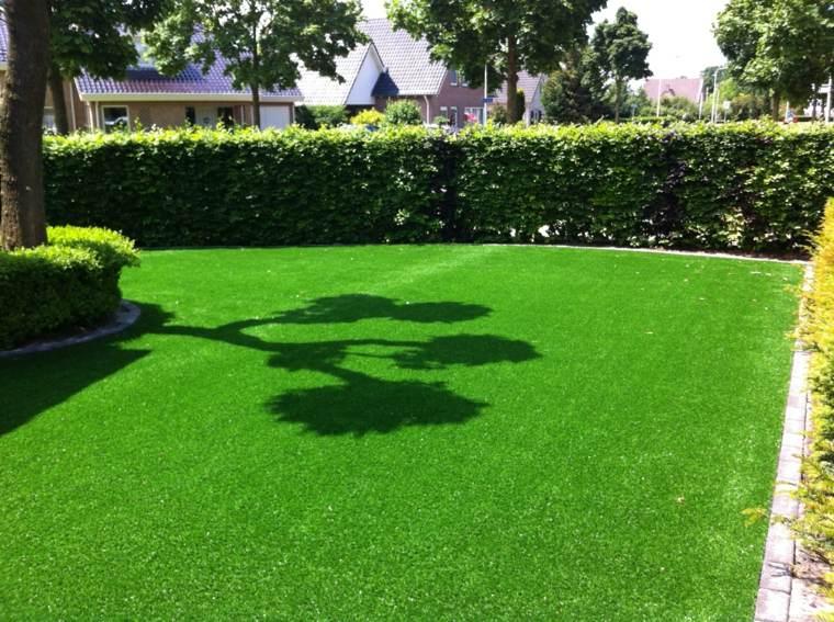 jardines pequeños con cesped artificial