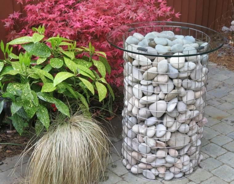 jardines-piedras-mesas-cristal-efectos-fuentes