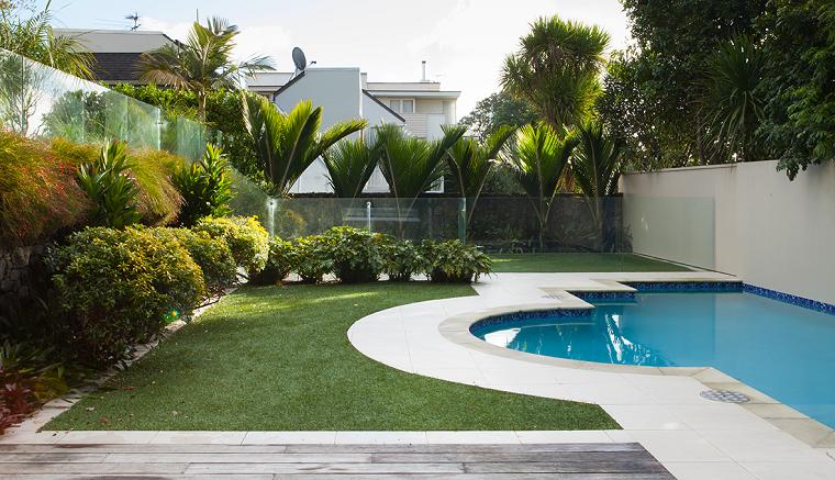 jardines piscinas abierto-especial-muros-cristales